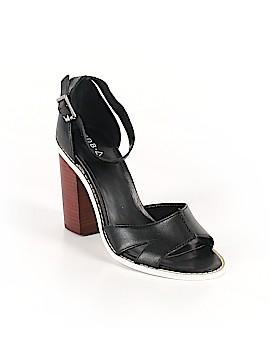 Kelsi Dagger Brooklyn Heels Size 8 1/2