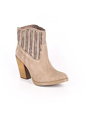 Musse & Cloud Boots Size 5