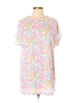UT for Uniqlo Short Sleeve T-Shirt Size L