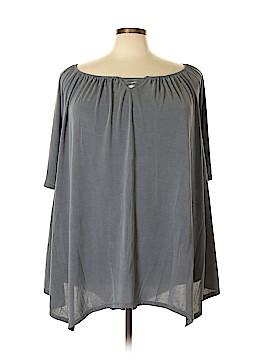Torrid Short Sleeve Top Size 6X (Plus)