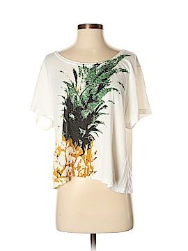 Delia's Short Sleeve T-Shirt Size S