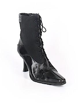Stuart Weitzman Boots Size 7 1/2