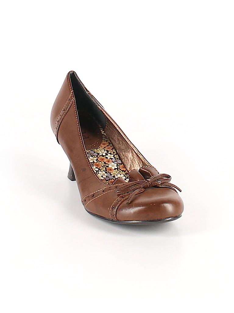d65e42af88ed Mudd Solid Brown Heels Size 7 1 2 - 60% off