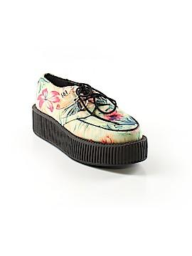 T.u.k. Sneakers Size 6
