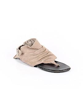 Mia Flip Flops Size 7