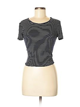 Lulu's Short Sleeve T-Shirt Size M