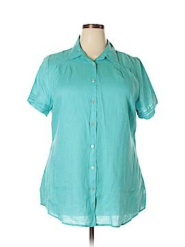 Avenue Short Sleeve Button-Down Shirt Size 18 (Plus)