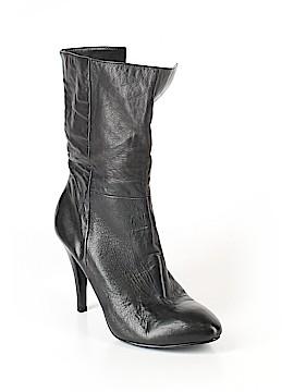 B Makowsky Boots Size 8
