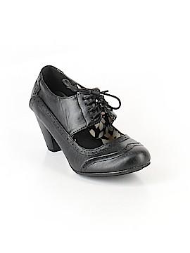 Refresh Heels Size 5 1/2