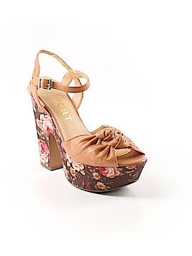 REPORT Heels Size 6 1/2