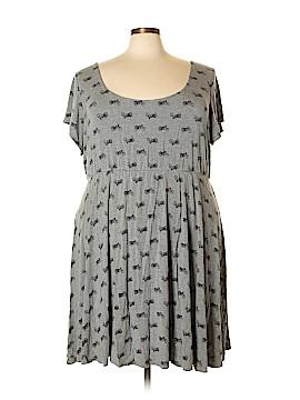 Torrid Casual Dress Size 5 (Plus)
