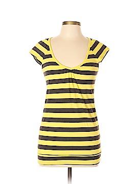 Realitee Short Sleeve T-Shirt Size L