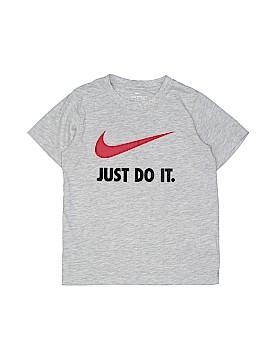 Nike Short Sleeve T-Shirt Size 6 - 7