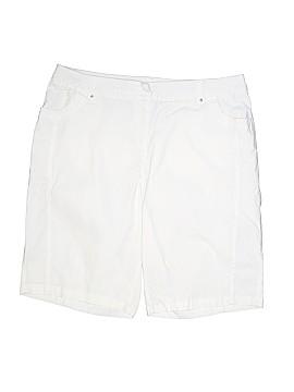 Avenue Khaki Shorts Size 16 (Plus)