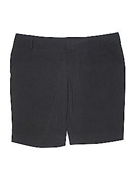 Daisy Fuentes Shorts Size 22W (Plus)