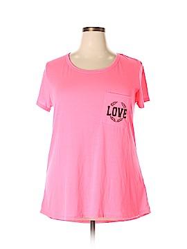 Free Kisses Short Sleeve T-Shirt Size 2X (Plus)