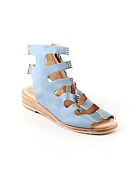 Gee WaWa Sandals Size 8