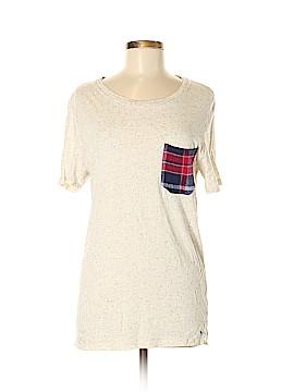 Modern Amusement Short Sleeve T-Shirt Size S