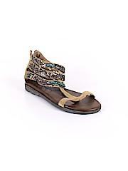 otBt Sandals