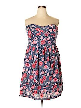 Torrid Casual Dress Size 18 (Plus)