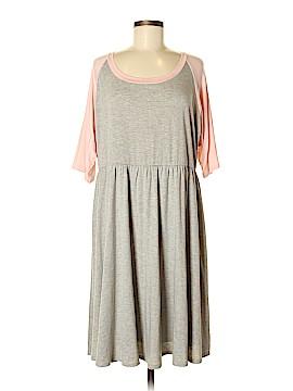 Torrid Casual Dress Size 2 (Plus)