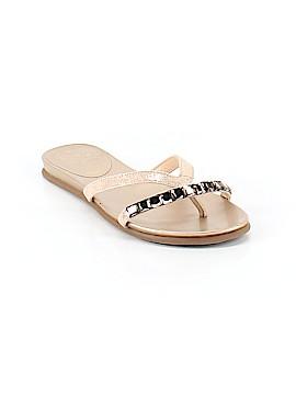 Vince Camuto Flip Flops Size 8