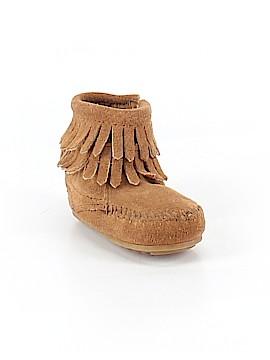 Minnetonka Ankle Boots Size 2