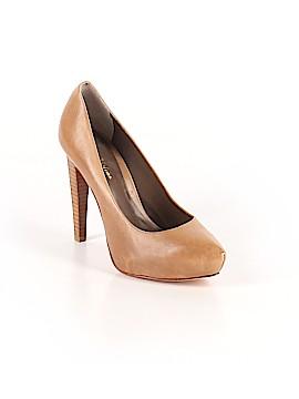 Pour La Victoire Heels Size 9