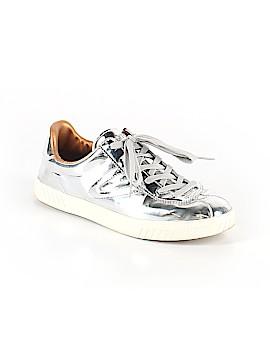 Tretorn Sneakers Size 8 1/2