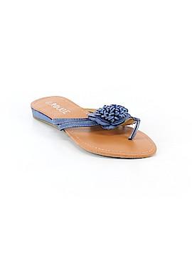 Rouge Sandals Size 10