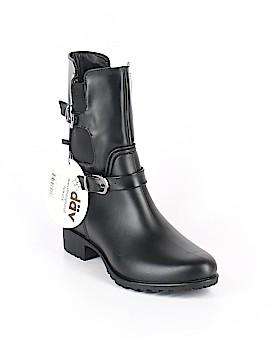 Dav Boots Size 7