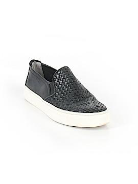 The Flexx Sneakers Size 7