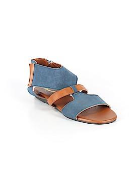 Avanti Sandals Size 9