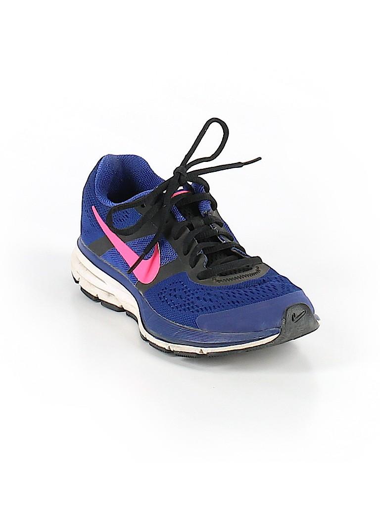 buy popular e987e 95564 Pin it Nike Women Sneakers Size 6 1 2