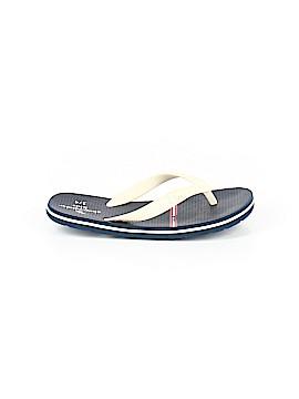 797c4d20ffa5 Abercrombie Flip Flops Size 3 - 4 Youth