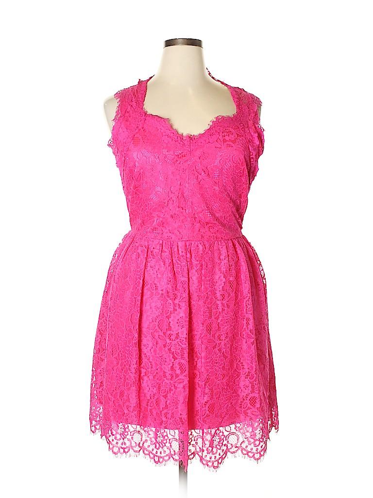 Red Saks Fifth Avenue Women Casual Dress Size L