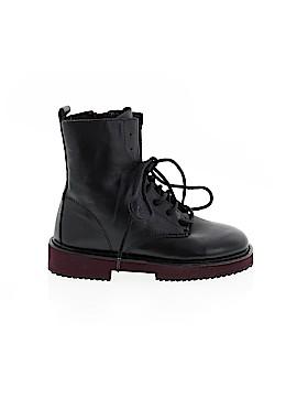 9b1b174058d Used Girls' Shoes | thredUP