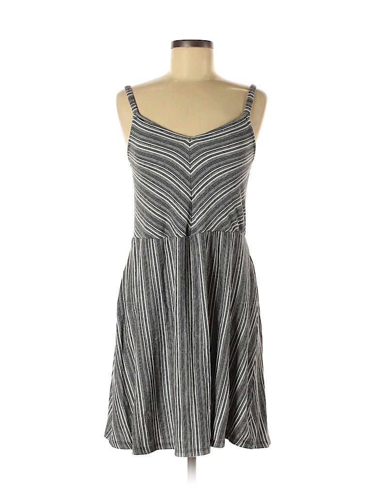 Universal Thread Women Casual Dress Size M