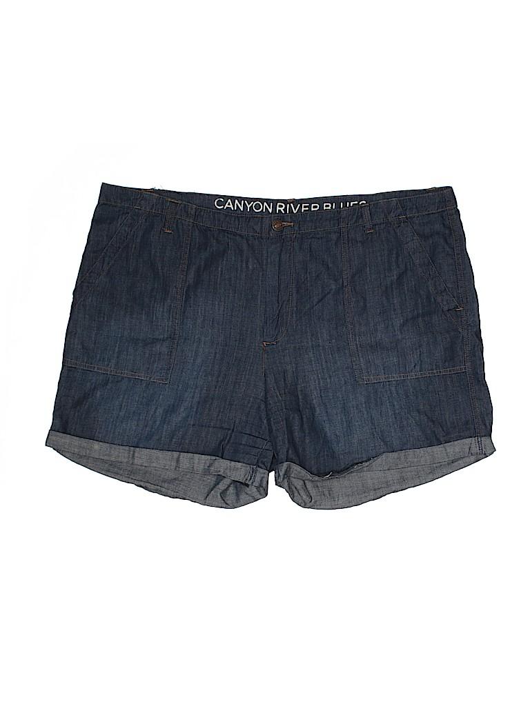 Canyon River Blues Women Shorts Size 18 (Plus)