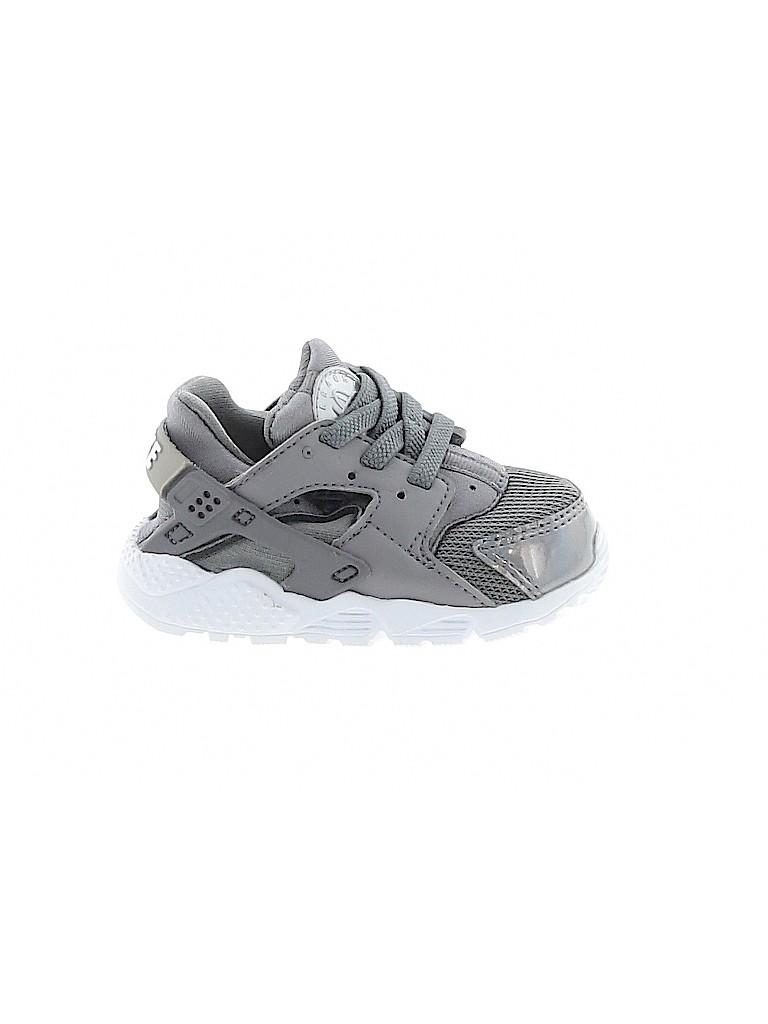 Nike Boys Sneakers Size 4