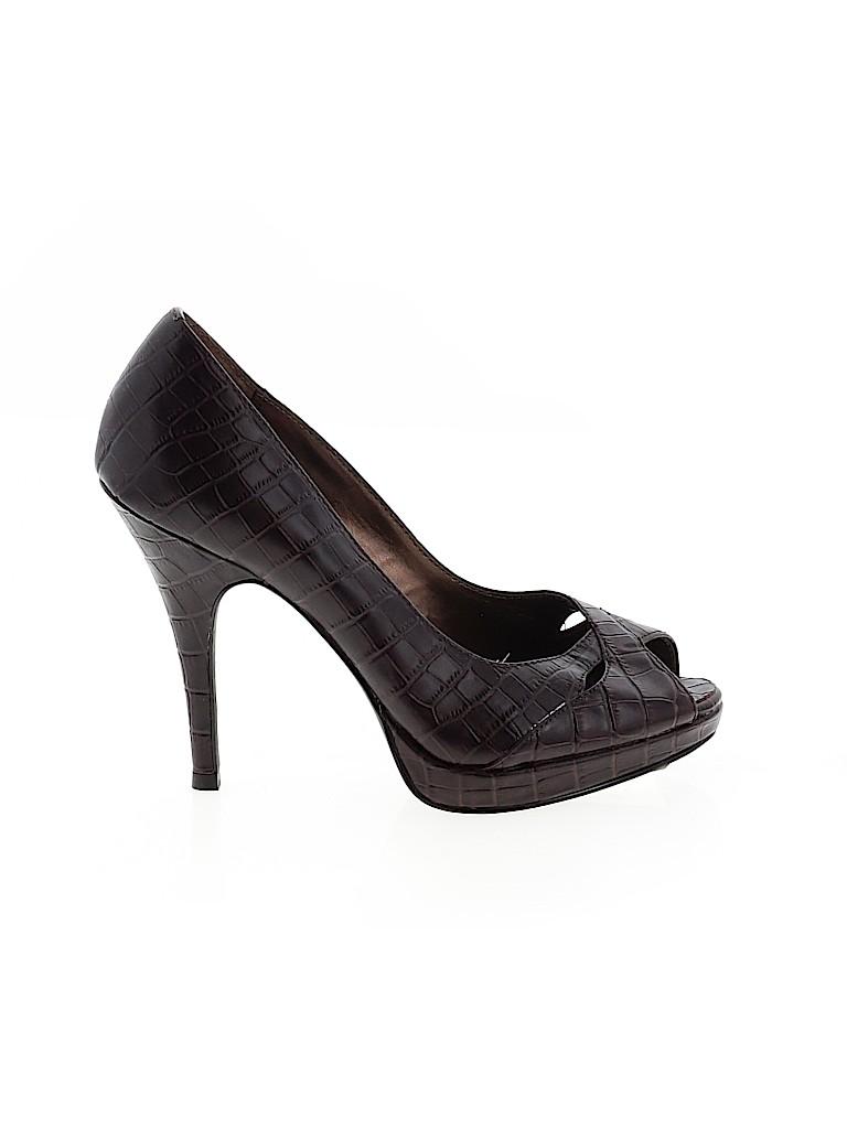 Victor by Victor Alfaro Women Heels Size 6