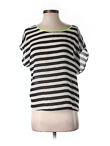 The Hanger Short Sleeve Blouse Size S
