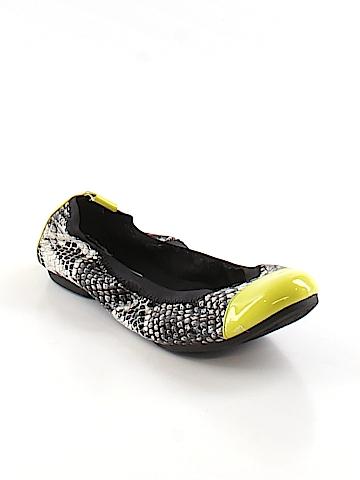 Simply Vera Vera Wang Flats Size 5