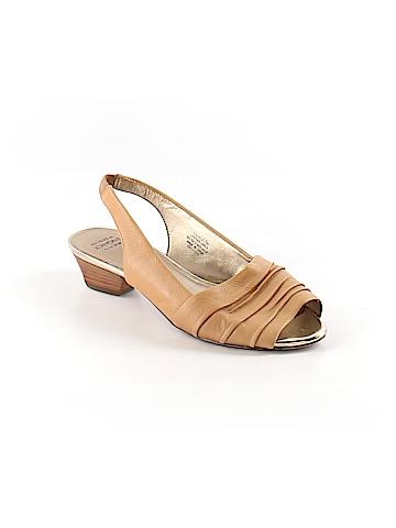 Circa Joan & David Flats Size 7