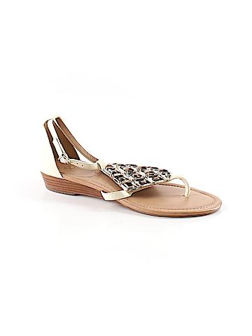 Vince Camuto Sandals Size 8