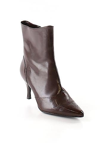 Sudini Boots Size 4
