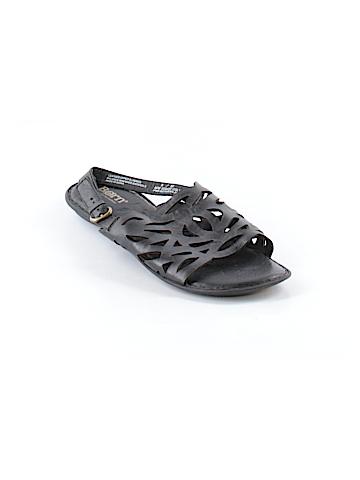 Born Crown Sandals Size 8
