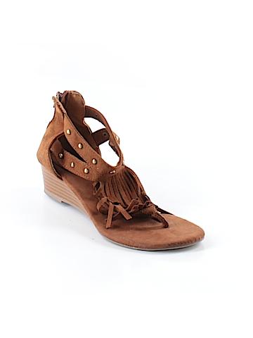 Avon Sandals Size 7