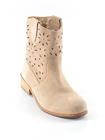 Fiel Boots Size 10