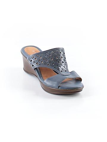 Naturalizer Sandals Size 5